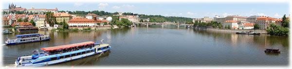 Лодки и круизы в Праге