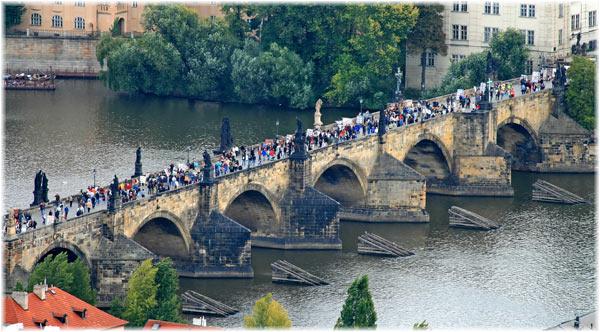 Podul Carol