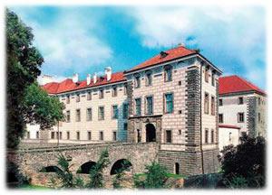 Nelahozeves Castle