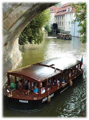 رحلات القارب – فينسيا براغ