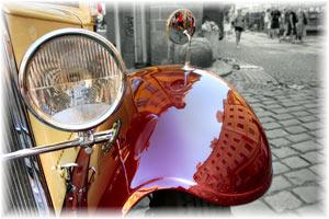 Aja ympäri kaupunkia vintage autossa